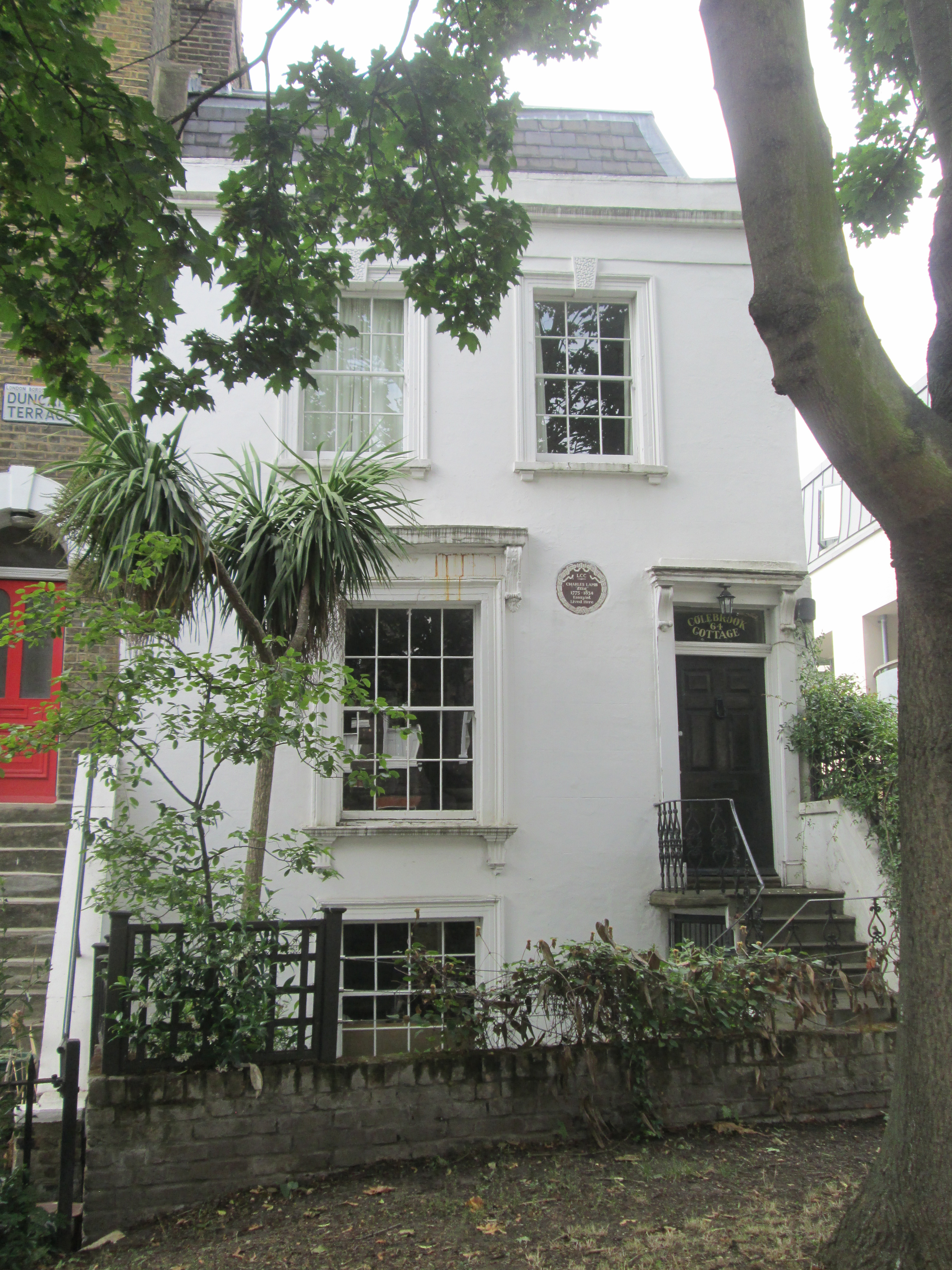 the south sea house charles lamb In this respect charles lamb differs from certain of his contemporaries  years  he was a clerk, first in the south sea house, then in the east india company.