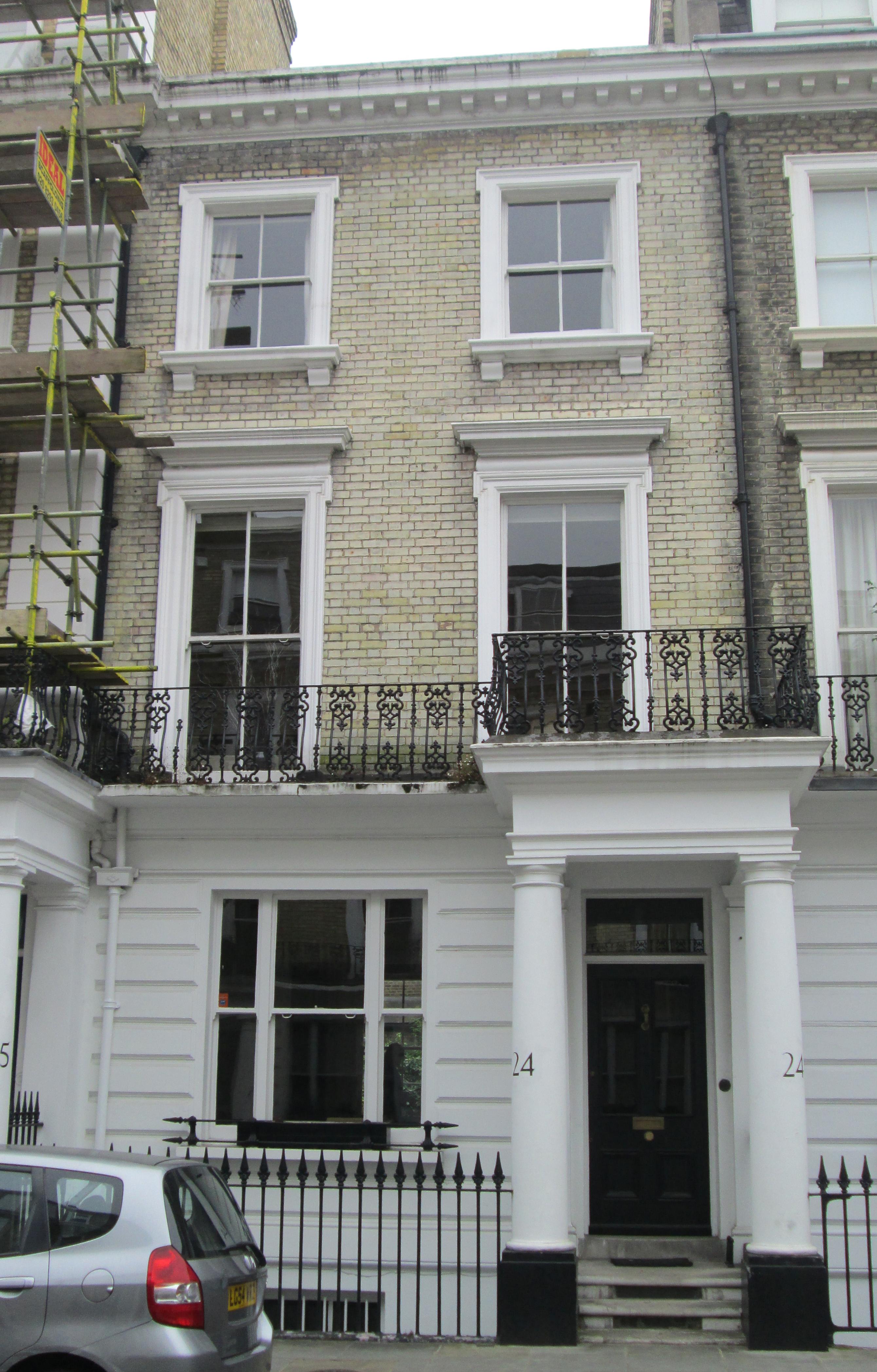 The home of omen iii actor robert arden for The kensington house